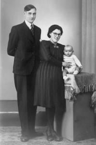 Familie Roelofsen met Adrie 1944