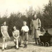 fam_van_der_wal_apr1947_1.jpg