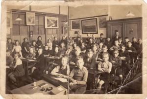 School met de bijbel 1942-1943 privé bezit Corry Wigt-Snippe