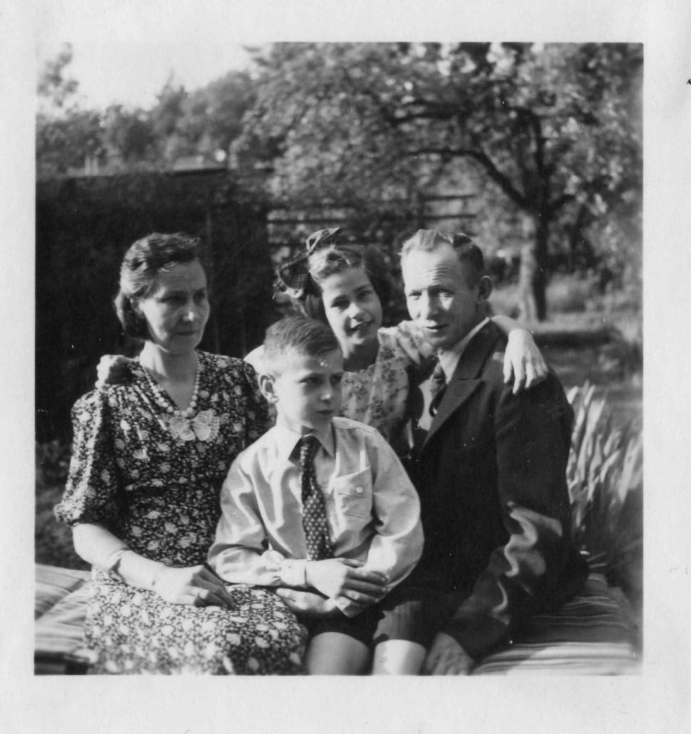 Gezin Hobe 1943 foto door Joodse fotografe