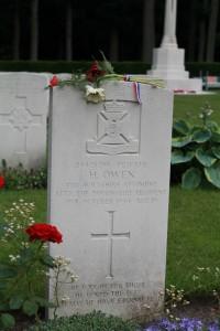 Airborne kerkhof naam (533x800)